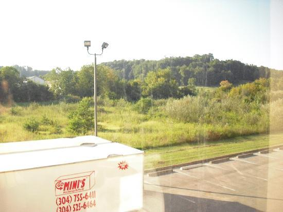 Hampton Inn Winfield/Teays Valley : View from hotel window