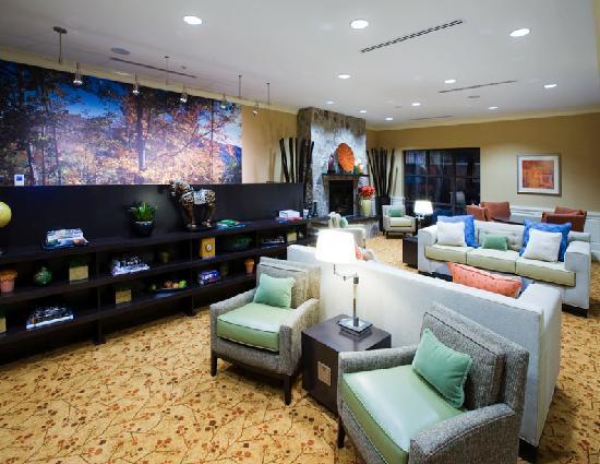 Courtyard Clemson: Lobby