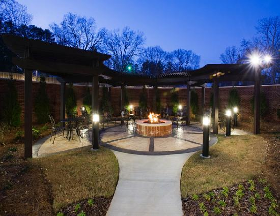 Courtyard by Marriott Clemson: Fire Pit