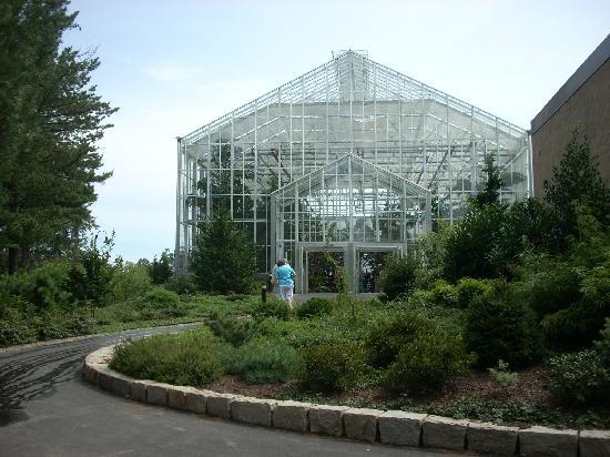 Roger Williams Park: The Palm House and adjoining indoor gardens encompass 12,000 square feet