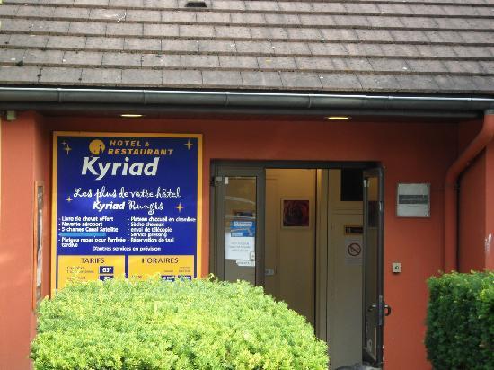 Kyriad Orly - Rungis : The reception, seems hidden