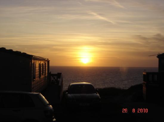Perran Sands Holiday Park - Haven: Nice sunset view from our caravan.