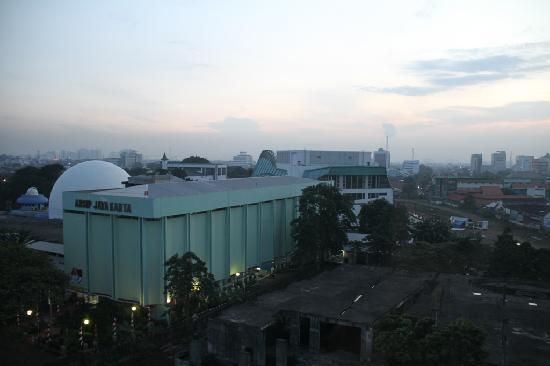Ibis budget Jakarta Cikini: Blick aus dem Fenster
