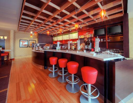 Courtyard Johnson City: The Bistro, Starbucks & Full Bar