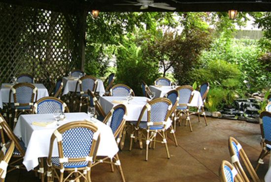 Za Restaurant Wisteria Garden Dining - Picture of Tomato State Cafe ...