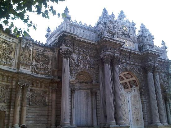 Hotel Sultania: DOLMA BACE PALACE...SHORT TAXI RIDE FROM HOTEL