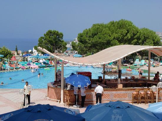 Sea Pearl Hotel: poolside bar seapearl hotel