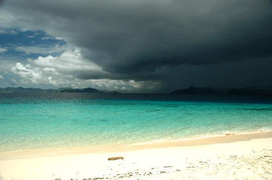 Club Paradise Palawan: Storm approaching