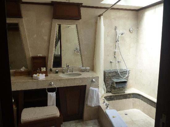 Alam KulKul Boutique Resort: 清潔なバスルーム