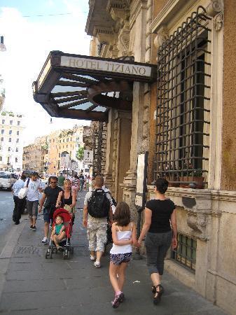 Tiziano Hotel: Hotel entrance
