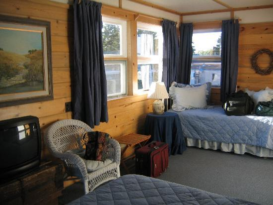 East Glacier Park, มอนแทนา: Queen and Double bed in Room 3