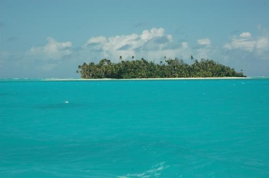 Aitutaki lagoon and island
