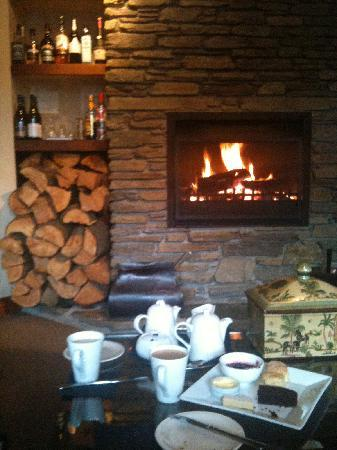 The Dairy Private Hotel: Afternoon tea by the fire