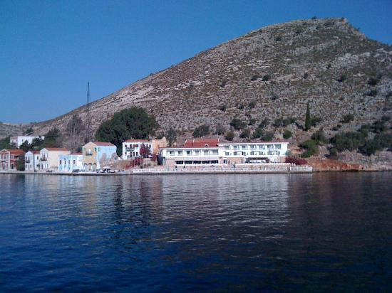 Megisti Hotel: Hotel view from opposite side of the bay