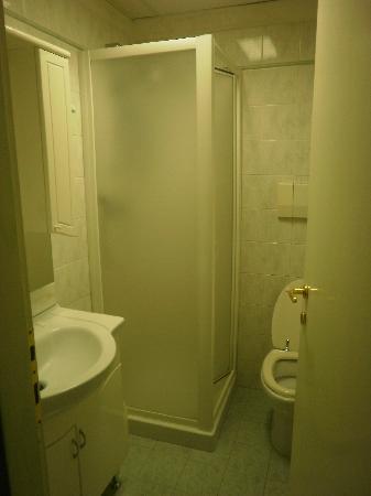 Priscilla Hotel: El baño