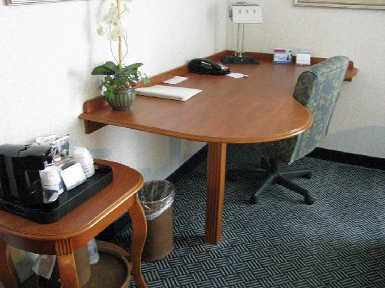 Hampton Inn Danbury: Workspace