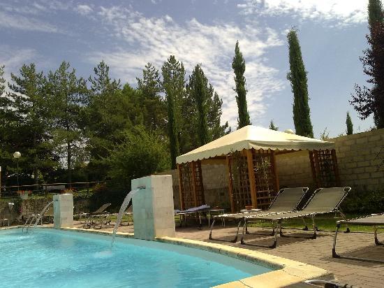 Hotel 2 Mari: la piscina