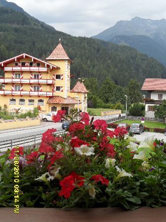 Hotel Garni Glueck Auf: View from our balcony