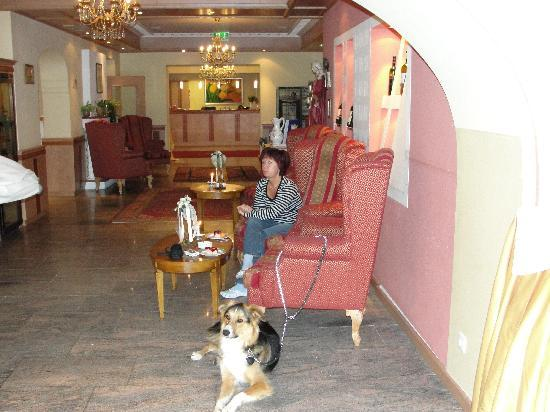 Garten Hotel Magdalena: Frauchen,Herrchen und Ich (Asco)