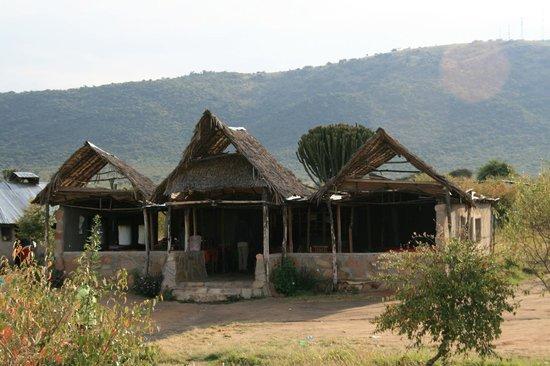 Masai Mara Manyatta Camp: little restaurant