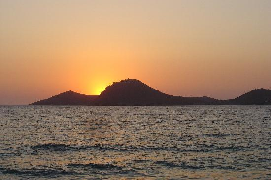 Yalikavak, Tyrkiet: wonderful sunset from Mercan beach