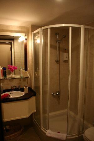El Vino Hotel & Suites: Bagno