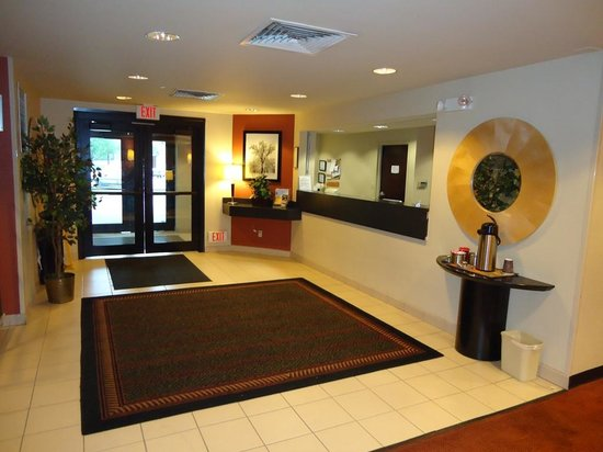 Extended Stay America - Chicago - Skokie: Lobby