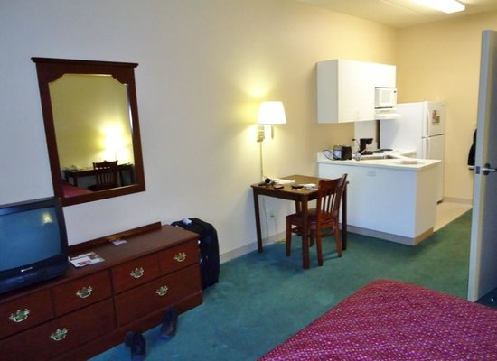 Extended Stay America - Chicago - Skokie: Room