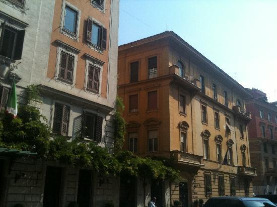 Hotel bei nacht picture of hotel locarno rome rome for Hotel anahi roma tripadvisor