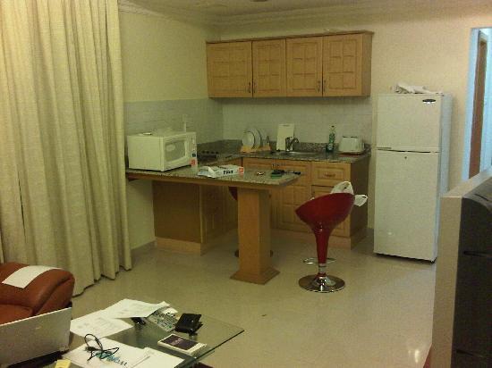 Landmark Suites Bahrain : Kitchen area, excuse my mess!!