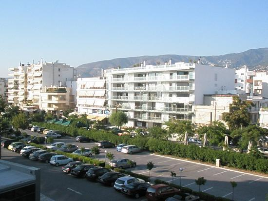Domotel Xenia Volos: view from room-reminding a motel's room view