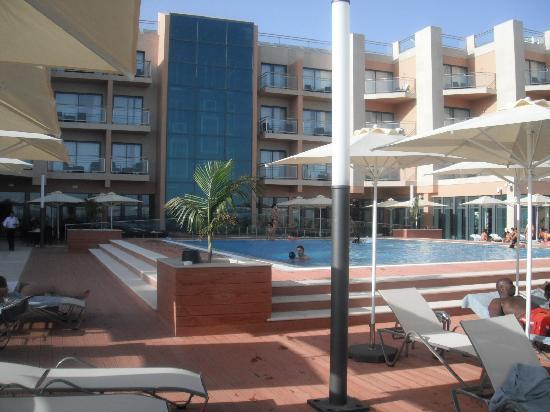ريال مارينا هوتل آند سبا: hotel pool