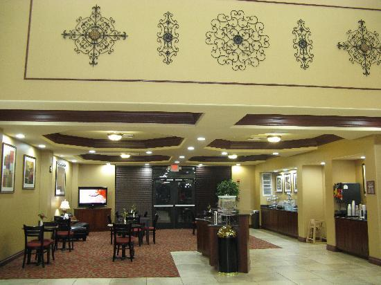 Comfort Suites North: Breakfast Room
