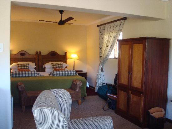 Alluvia Wine Estate: room