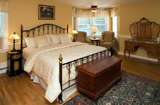 Bernerhof Inn Bed and Breakfast: Sophisticated décor with state-of-the-art amenities