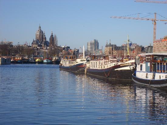 Por el puerto fotograf a de msterdam holanda del norte for Hoteles en el centro de amsterdam