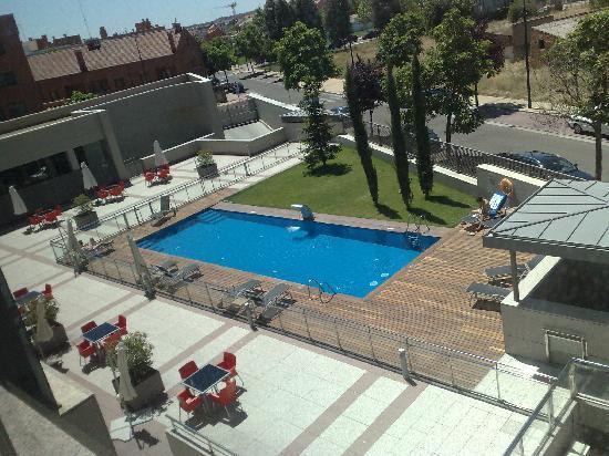 Lo mejor la piscina fotograf a de vincci frontaura for Piscina valladolid