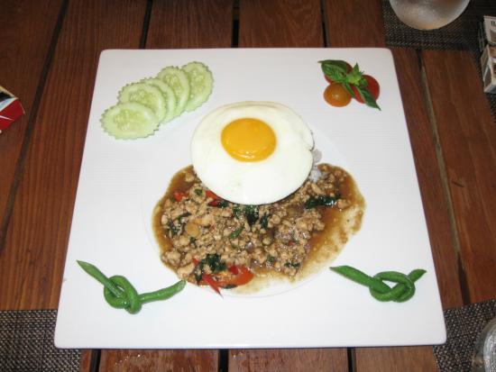H Bistro at Hansar Samui: main dish