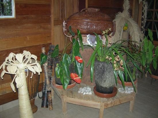 Eulophiella: Decorations in the restaurant