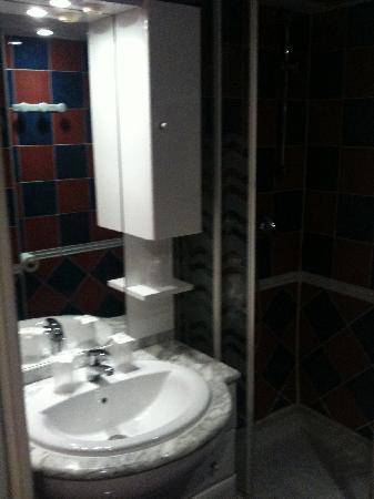Hotel Le Lido : salle de bain