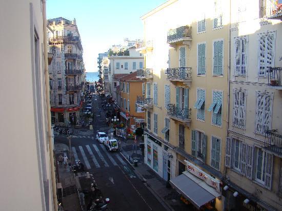 Hotel de Flore by HappyCulture: the area at the hotel door