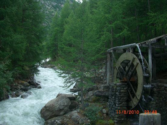 Saas-Fee, Schweiz: Find the water mill!!