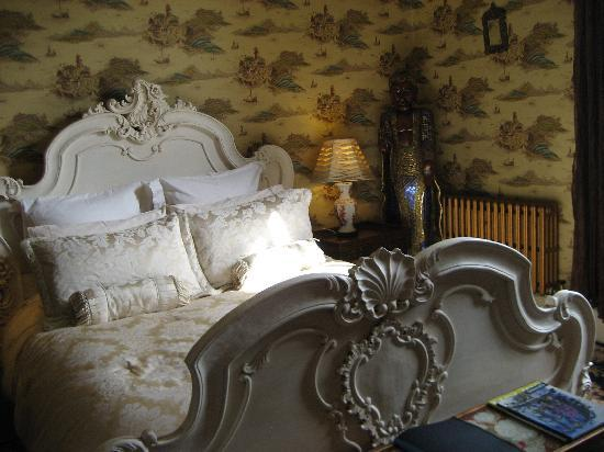 The Villas Residence: Anique bed - but great night sleep