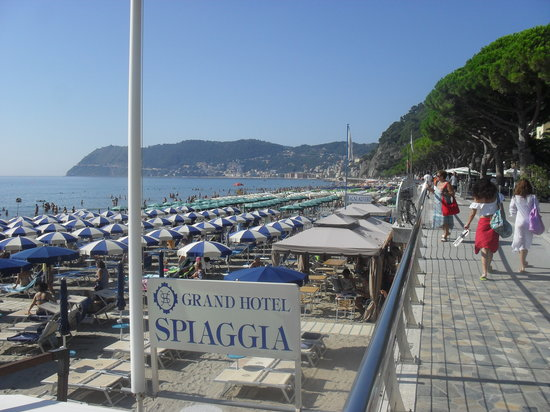 Grand Hotel Spiaggia: The beach Alassio