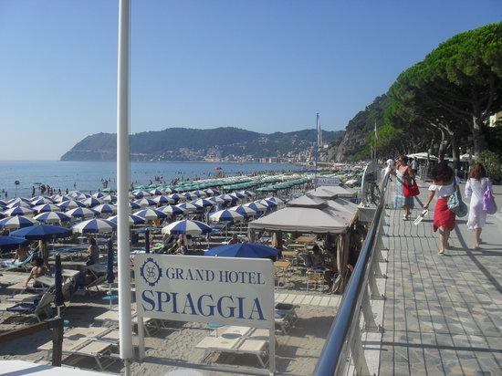 Grand Hotel Spiaggia: The beach Alassio