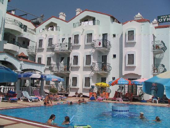 Oykun Hotel: Block 2 and pool