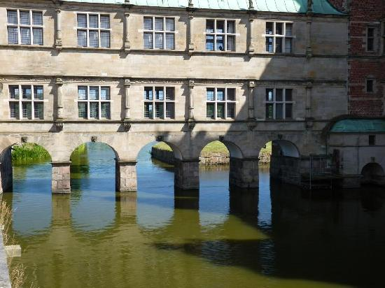Hillerod, Δανία: Front - bridge