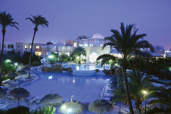 Joya Paradise : by night