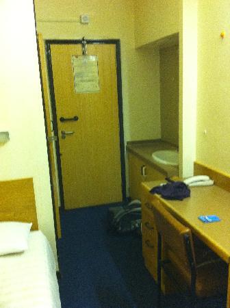YMCA Indian Student Hostel: room