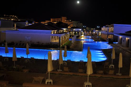 La Marquise Luxury Resort Complex: Pool area at night